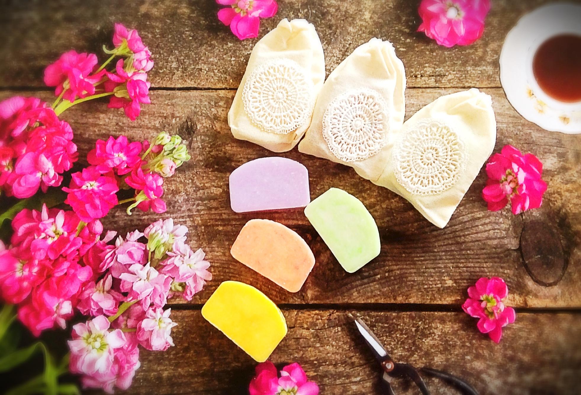 1-mini-soap-in-cotton-bag.jpg